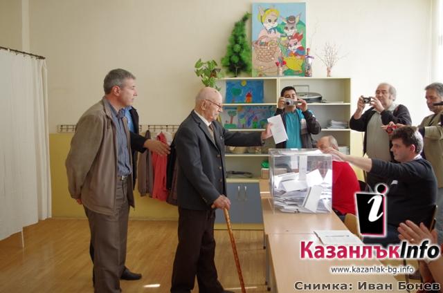 Столетникът Пеньо Ганарев: Гласувам да има работа за младите хора, да останат в България